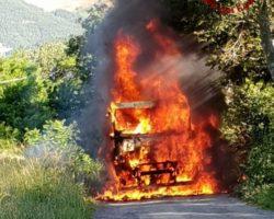 Loiano: in fiamme un camion dei rifiuti
