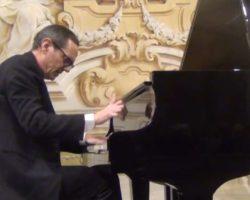 """Monzuno: Andrea Carcano in concerto per """"Musica in bianco e nero"""""""